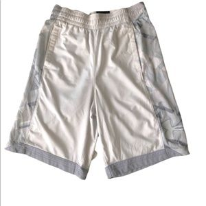 Men's Under Armour White Basketball shorts S